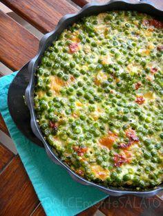 Torta salata di piselli Omelette, Frittata, Italian Cooking, Italian Recipes, Cold Dishes, Antipasto, Quiches, Kitchen Recipes, Food Design
