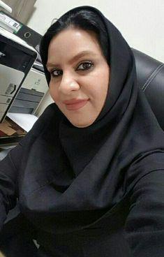 Beautiful Iranian Women, Beautiful Women Over 40, Beautiful Hijab, Arab Girls Hijab, Girl Hijab, Muslim Girls, Arabian Beauty Women, Dating Older Women, Dehati Girl Photo