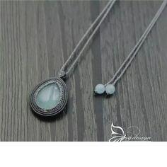 点击查看原图 Macrame Jewelry Tutorial, Macrame Necklace, Crafty Fox, Macrame Design, Macrame Projects, Micro Macrame, Celtic, Berries, Weaving