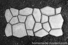 Neue #DIY Idee. Mit einer Naturstein-Pflaster-Form kannst du schnell, einfach und günstig einen Weg aus Beton pflastern. Sieht aus wie Naturstein. Hier geht´s zur Anleitung. #diy #garten