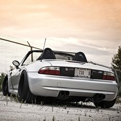 The perfect Z3! #bmw #bimmer #z3 #roadster #vert #slammed #stanced #lowered #fitment #euro #love #carporn #jj #love #instagood #igers #igdaily #xsauto #bornauto #xenonsupply