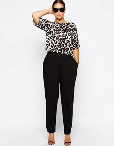 Asos curve cigarette pants in crepe curve trousers, curvy outfits, curvy work outfit, Casual Plus Size Outfits, Curvy Outfits, Work Fashion, Curvy Fashion, Fashion Outfits, 70s Fashion, Petite Fashion, Fashion Ideas, Fashion Hacks