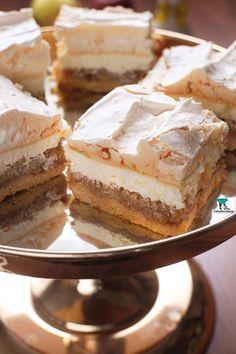 Szarlotka chmurka Tiramisu, Camembert Cheese, Cake Recipes, Seafood, Cheesecake, Food And Drink, Cooking Recipes, Sweets, Ethnic Recipes