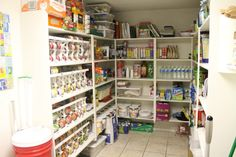 LOVE this pantry!!!!