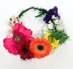 Here's How To Make Your Very Own Flower Crown