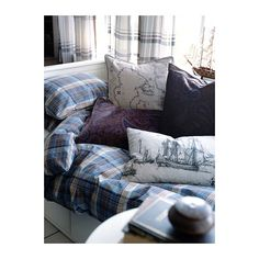 BENZY Duvet cover and pillowcase(s) IKEA Yarn-dyed; the yarn is dyed before weaving; gives the bedlinens a soft feel.