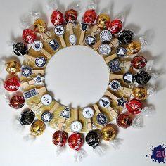 Adventn kalend pro moji maminku Raztka aladinecz adventnikalendar cokolada lindthellip 12 Days Of Xmas, Ornament Wreath, Ornaments, Counting, Advent, Wreaths, Decor, Decoration, Door Wreaths