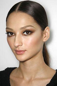 Bruna Tenorio natural bronzy make up