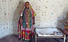 Bhunga Interior. Mirrored Mud Houses in Kutch - Gujarat Love it