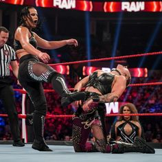 The must-see images of Raw, Aug. 30, 2021: photos Shayna Baszler, See Images, Wwe, Superstar, Concert, Photos, Pictures, Concerts
