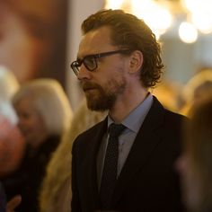 #TomHiddleston at Nuffield Southampton Theatres on February 15, 2018. Source: http://www.whatsonstage.com/southampton-theatre/news/nst-city-tom-hiddleston-shadow-factory_45818.html Full image: https://wx2.sinaimg.cn/large/6e14d388gy1folzqnwlz4j20xc0ir7gz.jpg