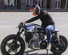 "960 Me gusta, 2 comentarios - SAINT MOTORS Co.™ ☠️ 19⚡13 (@saint_motors) en Instagram: "" @motolifestylecustoms Honda CX500 C #honda #caferacer #cx500 #custom #bike #caferacer…"""