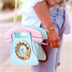 Era uma vez uma bolsa telefone... E eu vi.. E eu quis.. Então eu sentei e chorei ☎️