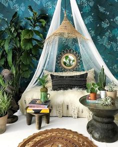 Now THIS is a set up we can work with. Incorporate cushions, cacti, mirrors and more for the ultimate chill out zone.