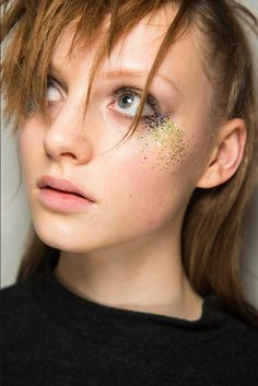 Les tendances maquillage de l'automne-hiver 2016-2017 - La touche glitter