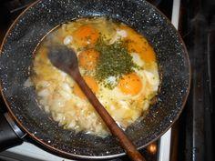 Pizzový veniec so šunkou (fotorecept) - obrázok 3 Eggs, Breakfast, Food, Basket, Morning Coffee, Essen, Egg, Meals, Yemek