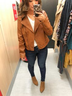 Looking for some new affordable fall pieces? Target is killing it in the sweaters, cardigans, and shoe selection right now and Sandy tries them on for you! Grunge Fashion, Boho Fashion, Fashion Outfits, Fashion Tips, Fashion Bloggers, Target Style Fall, Loose Fit Jeans, Clothing Sites, Womens Fashion Online