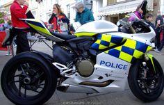 Police Ducati 1199 Panigale