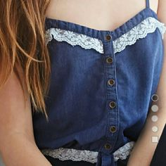 NWOT Lace trim denim crop cami top Adjustable straps, button down. Never worn. Forever 21 Tops Crop Tops