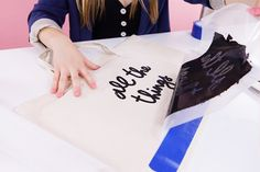 Screen print a pretty canvas weekender bag with this online class!