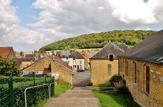 Haraucourt er en kommune i departementet Ardennes ,  nordøst i Frankrike, i regionen Champagne-Ardenne. Haraucourt ligger i nærheten av Sedan.