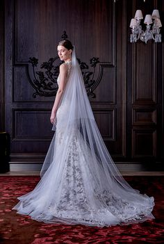 Fashion Friday: Monique Lhuillier Bridal Spring 2016 | http://brideandbreakfast.hk/2015/04/24/fashion-friday-monique-lhuillier-bridal-spring-2016/