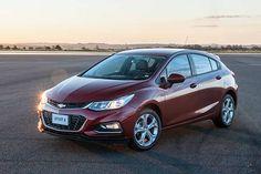 Apresentado oficialmente no Salão do Automóvel, o novo Chevrolet Cruze Hatch ficou mais esportivo. Leia mais...