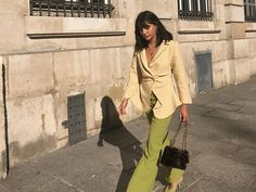 16 Complementary Colours Outfits That Always Look Chic Outfits Otoño, Fashion Outfits, Paris Outfits, Travel Outfits, Dressy Outfits, Fashion Trends, Beige Outfit, Cool Street Fashion, Paris Fashion