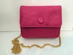 Cross Body - Simply amazing and very rare - Chanel mini bag in fushcia pink. Gold double chain.Double gold CC. Snap closure in leather. Double gold CC to the interior. Card and dust bag included. This is from around 1985 and this bag is immaculate on the exterior Please note there on the back of the press stud small tarnish mark. Apart form the marks mentioned above there are no other marks to the outside or the chain. This is a vintage bag. Size width 15cm height 14cm Condition Very Good…