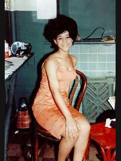 Very sweet candid dressing-room shot of Florence Ballard (date & location unknown).