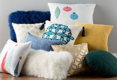 Mid-Century Merry No era did it better. Cozy up to curved shapes and bold hues.
