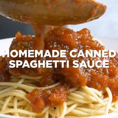 Homemade Canned Spaghetti Sauce – Food Videos – Home Recippe Canning Homemade Spaghetti Sauce, Spaghetti Recipes, Pasta Recipes, Homemade Sauce, Canning Recipes, Pasta Dishes, Food Videos, Italian Recipes, Healthy Recipes