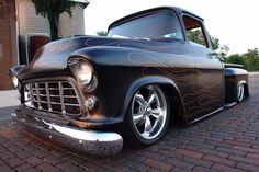 55 Chevy Truck lowrider :) Love the classics! 55 Chevy Truck, Classic Chevy Trucks, Classic Cars, Hot Rod Trucks, Gmc Trucks, Cool Trucks, Pickup Trucks, Cool Cars, Chevy Apache