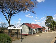 Dear Old Shangani Railway station Zimbabwe History, Water Wise, Homeland, South Africa, Country, House Styles, Places, Trains, Birth