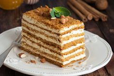 Honey layer cake Medovik by The baking man on Dessert Russe, Russian Honey Cake, Canned Green Chilies, Chocolate Banana Bread, Slow Cooker Beef, Vanilla Cake, Food Photography, Sweet Treats, Food And Drink