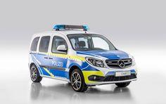 Einsatzfahrzeuge von Mercedes-Benz auf der RETTmobil 2016