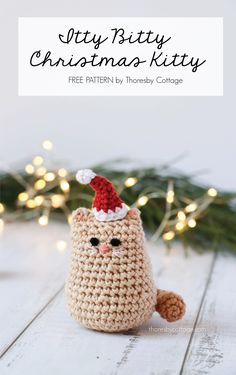 An adorable and free Christmas cat crochet pattern. This festive crochet pattern works up very quickly. An adorable and free Christmas cat crochet pattern. This festive crochet pattern works up very quickly. Chat Crochet, Crochet Gratis, Crochet Toys, Free Crochet, Crochet Mittens, Ravelry Crochet, Knitted Dolls, Christmas Yarn, Crochet Christmas Gifts