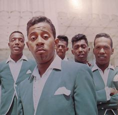 The Temptations...my favorite group. I agree with the previous pinner. My fave group. Wish music was still like this. Kat(Floyd)
