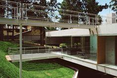 Casa em Aldeia da Serra - Aldeia da Serra, SP / Angelo Bucci, Fernando de Mello Franco, Marta Moreira, Milton Braga