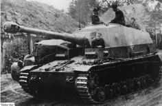 10.5 cm K (gp.Sfl.) Selbstfahrlafette Pz.Kpfw. IV A Sturmgeschütz Dicker Max mit 10.5 cm schwere Kanone 18