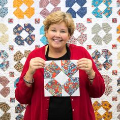 Sew Block Quilt Jenny Doan teaches you to make this darling Dizzy Daisy Block! Missouri Quilt Tutorials, Quilting Tutorials, Quilting Projects, Quilting Designs, Msqc Tutorials, Jenny Doan Tutorials, Quilting Ideas, Craft Tutorials, Craft Ideas