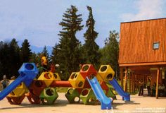 PlayCubes - Play Cubes - Aire de jeux - Playground  Architecte: Richard Dattner  Edition: Playstreet, Inc. / Playstyle Création: 1969  Les Arcs 1800