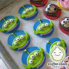 These cute cupcake toppers were created for a Toy Story birthday party. Our customer loves to bake and wanted to make her own cupcakes, but . Cumple Toy Story, Festa Toy Story, Toy Story Party, Toy Story Birthday, 5th Birthday, Birthday Ideas, Cupcakes Decoration Disney, Disney Cupcakes, Toy Story Cupcakes