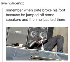Remember when you broke your foot from jumping out the second floor<<I've been screaming for 10 years<<<the picture may be fall out boy but there's an mcr party down here Emo Band Memes, Emo Bands, Music Bands, Emo Meme, Fall Out Boy, My Chemical Romance, Music Is Life, My Music, Save Rock And Roll