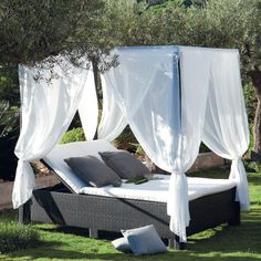 Bedroom Outdoor Canopy Bed Design With Canopy Bed White Curtain Lavish Canopy Bed Outside Webbing Pattern Canopy Bed Design In Backyard Canopy Bed For Luxury Bed Designs Awesome Lavish Canopy Bed Design for Luxury Bedroom Decor Daybed Canopy, Canopy Bed Frame, Canopy Curtains, Fabric Canopy, Pvc Canopy, Window Canopy, Bed Canopies, Ikea Canopy, Nooks