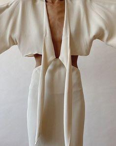 Villa Mandra by K-Studio — MODEDAMOUR Small Closet Design, Closet Designs, 90s Fashion, Spring Fashion, Elegant Outfit, Aesthetic Fashion, Mode Inspiration, Stylish Dresses, Style Guides
