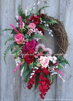 Valentine Wreath Heart Wreath Victorian Wreath by NewEnglandWreath Valentine Day Wreaths, Easter Wreaths, Valentine Box, Valentine Ideas, Valentine Crafts, Door Wreaths, Grapevine Wreath, Heart Wreath, Summer Wreath