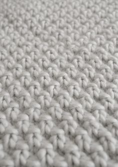 Double Seed Stitch Blanket - Knit.