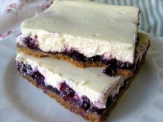 Easy Blueberry Cheesecake Bars Tasty Kitchen A Happy – Images Gallery Ww Desserts, Cheesecake Desserts, Dessert Recipes, Yummy Recipes, Dessert Ideas, Blueberry Cheesecake Bars, Homemade Cheesecake, Simple Cheesecake, Cheescake Bars