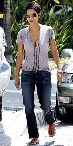 HALLE BERRY | www.teesandotherstuff.blogspot.com  She ALWAYS looks good! My style hero...
